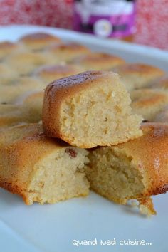 Giant salted caramel financier - When Nad cooks . Delicious Desserts, Dessert Recipes, Yummy Food, Homemade Tacos, Cake Ingredients, Butter, Cooking Time, Love Food, Sweet Recipes