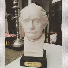 Голова Энштейна желает вам отличного дня !:)#einstein #энштейн #декор #17komnat #интерьер #дизайн  #дизайнинтерьера