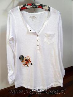 Camiseta pintada a mano con un pequeño Scrat.  www.facebook.com/vasniworld