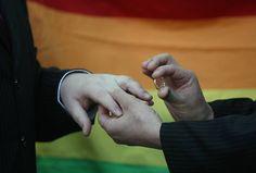 Brasília abre parada gay com casamento coletivo na Praça dos Três Poderes - Notícias - R7 Distrito Federal
