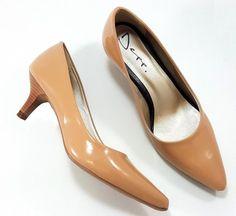 3afd94a30 O Scarpin Depp Calçados Bico Fino é ideal para compor produções mais  elegantes: o modelo se destaca pela sua versatilidade e estilo clássico.