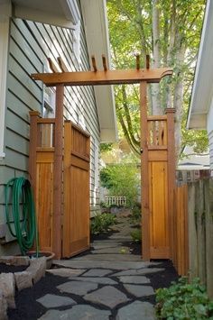 Craftsman Pergola-style gate and fence, this would look great going around our front yard. I would do the fence a little different, but the gate way is amazing and beautiful!