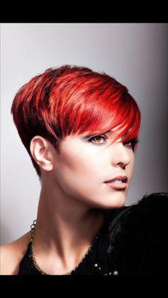 Red pixie hairstyles - New Hair Styles ideas Short Red Hair, Short Hair Model, Cute Hairstyles For Short Hair, Short Hair Cuts For Women, Pixie Hairstyles, Short Hair Styles, Short Haircuts, Short Cuts, Elegant Hairstyles