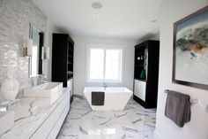 Marble Bathroom Design Ideas, Pictures, Remodel and Decor Bathroom Design Software, Bathroom Design Layout, Modern Bathroom Design, Bath Design, Marble Bathroom Counter, Black Marble Bathroom, Wood Counter, Bathroom Designs Images, Bathroom Tile Designs