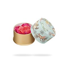Petal cheek color, comprising layers of three types of pink, creates the profound color of large-flowered roses.