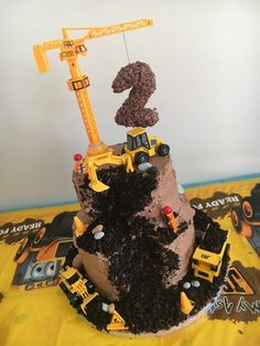 Digger cake for a digger-mad little boy.mrsbmummyofth… Digger cake for a digger-mad little boy. Digger Birthday Cake, Digger Cake, Digger Party, 3rd Birthday Cakes, Third Birthday, 3rd Birthday Parties, 3 Year Old Birthday Party Boy, Tractor Birthday Cakes, Birthday Cake Kids Boys