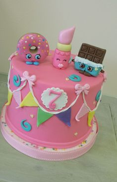 Super cute Shopkins birthday cake featuring D'lish Donut, Cheeky Chocolate, and … - Modern Pastel Shopkins, Fete Shopkins, Shopkins Girls, Shopkins Birthday Cake, Birthday Cake Girls, 7th Birthday, Shopkins Cake Toppers, Birthday Cakes, Birthday Ideas