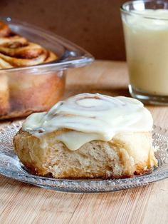 cinnamon rolls with mascarpone cream cheese frosting