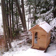 21 Inexpensive DIY Sauna and Wood-Burning Hot Tub Design Ideas, Relaxing in your own sauna or hot tub has many health benefits. We help you with great sauna and hot tub designs and ideas for you to build your own. Diy Sauna, Homemade Sauna, Rustic Saunas, Home Sauna Kit, Outdoor Sauna Kits, Building A Sauna, Sauna Heater, Sweat Lodge, Sauna Design