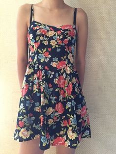 Dress    [url]: http://www.vinted.com/sh/clothes/16591066-cute-floral-dress-with-bustier-top