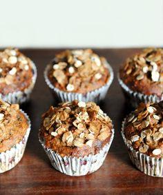 burczymiwbrzuchu: Lekki tydzień #7: Pełnoziarniste muffiny z musli i bananami