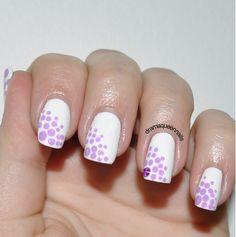 Delicate Print - nail design - dots