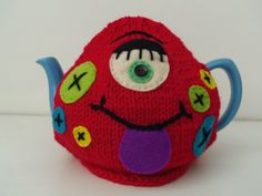 ❥Knit & Crochet Tea Cosies, Monster tea cosy - you could easily turn this into a monsters inc tea cosy! Knitted Tea Cosies, Teapot Cover, Tea Cozy, Tea Art, Loose Leaf Tea, Craft Work, Vintage Tea, Cosy, Hand Knitting