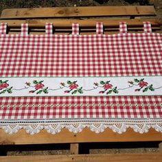 www.beguldan.com ANKARA- Gölbaşı'nda bir BEGÜLDAN'lı Kanavice ,dantel ,kareli ve BEGÜLDAN tasarimı perde #dantel #divitin #kanaviçe #tasarım #otantik #elişi #köyevi #bodrum #bodrumevi #alaçatı #alaçatıevi #köy #perde #design #handmade #embroidery #curtain#kitchencurtain #cotton #village #villagehouse #colour #instadaily #instakitchen #instagood #instadesign @handancolakogl @beguldan_pirinchan Crochet Curtains, Diy Curtains, Curtains With Blinds, Kitchen Curtains, Ideas Prácticas, Chicken Scratch, Country Curtains, Hobby Room, Handmade Home Decor