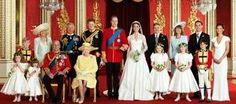 No dia 29 de abril de 2011, William encantou a todos com seu casamento de conto de fadas com a plebeia Kate Middleton. Os dois fizeram o mundo parar para conferir cada passo do jovem casal rumo ao altar e o cortejo pelas ruas de Londres. A cerimônia aconteceu na Abadia de Westminster e a comemoração no Palácio de Buckingham, inclusive o primeiro beijo em público dos noivos. Neste dia, o príncipe e sua noiva receberam os títulos de Duque e Duquesa de Cambridge, além dele ter sido condecorado…