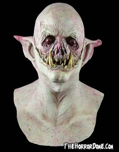 Add a Hollywood-quality look to your costume with the Demon Vampire Collector Halloween Mask from The Horror Dome. Scary Halloween Masks, Halloween Vampire, Halloween 2020, Halloween Stuff, Halloween Ideas, Halloween Costumes, Vampire Mask, Monster Mask, Monster 2
