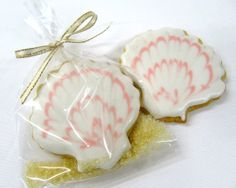 Sea Shell Sugar Cookie by BakeMePretty on Etsy, $48.00   YES!!!!!!!!  LOVE IT!!!!!!!!!!!!!!!!!!!!!!!!!!!!!!!!!!! DO IN MINT COLOR