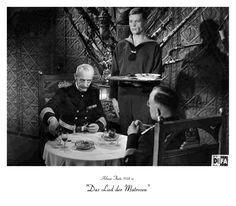 """Die zeitgenössische Kritik der DDR nannte Das Lied der Matrosen 1958 """"eine gewichtige Waffe im politischen Kampf unserer Tage"""", da er """"von der Kraft des Proletariats berichtet, weil er uns aus Fehlern lernen läßt"""". Karl-Eduard von Schnitzler lobte im Filmspiegel die Kameraarbeit von Joachim Hasler und Otto Merz, da beide Kameraleute """"neue Wege gegangen"""" seien und """"kühne und ungewöhnliche Bildkompositionen und Kamerabewegungen"""" gefunden hätten"""