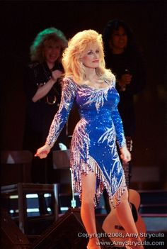 The charming Dolly Parton told Ellen about her style, and why she is always…