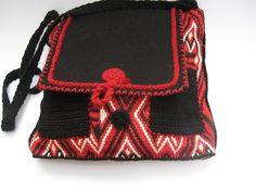 Bag in black red and white hand-embroidered by ColouredAccessories