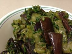 Eggplant with coriander (Vankaya koththimeera karam )