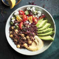 Bol de quinoa à la méditerranéenne