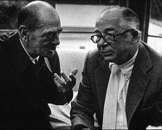 Luis Buñuel, conversando con Billy Wilder.