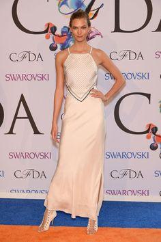 Pin for Later: 21 Stars Qui Prouvent Que L'âge N'a Pas D'importance Dans le Monde de la Mode Karlie Kloss, 21 ans La BFF de Taylor Swift se fait habiller par tous les plus grands designers, et un rien lui va.