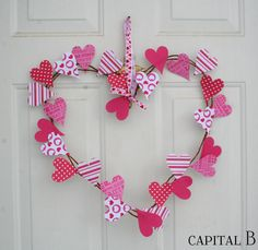 Simple Valentine Wreath- easy and cute!