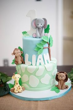 First birthday safari birthday cake idea