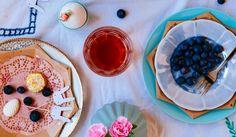 thee aan tafel- Paastafel geïnspireerd door Emily Quinton- http://www.mylucie.com- easter table- flatlay- table setting