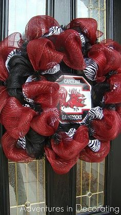 I am going to make this for football season. Have the stuff....ready to tackle it soon! wreaths-wreaths-wreaths