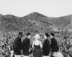 Marilyn Monroe Sings for the U.S. Marines