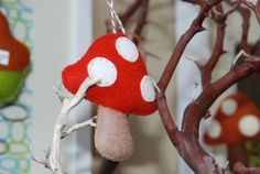 Bump Smitten: Real Baby Shower: Lil' Woodland Critters Theme= felt christmas decorations as a thank you present