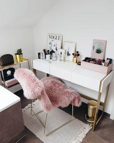 home decor idea Cute Bedroom Ideas, Room Ideas Bedroom, Diy Room Decor, Bedroom Decor, Pink Home Decor, Home Office Decor, Office Desk, Teen Bedroom Organization, Cute Furniture
