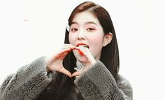 Find images and videos about kpop, gif and aesthetic on We Heart It - the app to get lost in what you love. Irene Red Velvet, Wendy Red Velvet, Red Velvet Joy, Seulgi, Wattpad, Hyuna Kim, Aesthetic Gif, Kpop Girls, Asian Beauty