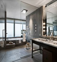 Park Hyatt Shanghai - Park Suite wash room - Copyright ©2015 Billionaire.com