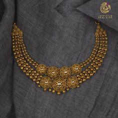 Handcrafted Kundan Set From Azvavows ~ South India Jewels Gold Jewelry Simple, Gold Jewellery, Designer Jewellery, Wire Jewelry, Bridal Jewelry, Jewelery, Necklace Designs, Indiana, Kundan Set