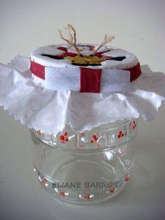 vidro reciclado com tampa trabalhada em patchwork embutido, por Eliane Barros.
