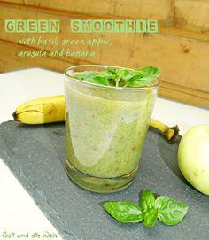 Green Smoothie / http://juli-und-die-welt.blogspot.de/2015/08/green-smoothie.html