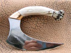 Explore Lawren Wimberly's photos on Photobucket. Cool Knives, Knives And Swords, Messer Diy, Antler Knife, Ulu Knife, Knife Template, Blacksmithing Knives, Antler Crafts, Knife Patterns