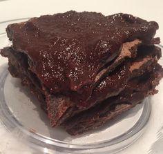 Com base nas receitas da Daniella Bertola, do @melhorespratos, eu fiz esse brownie de frigideira e para ficar ainda mais gostoso eu usei a receita dela de brigadeiro do bem para o Brownie fica molh…