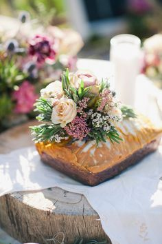 muted centerpiece // photo by IYQ Photography // floral design by Sassy Snapdragon Florals