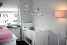 Meisjeskamer on pinterest grey and coral bedroom windows and pink grey for Kamer decoratie meisje