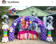 My Little Pony Birthday Party Balloon Decor My Little Pony Balloons, Little Pony Cake, My Little Pony Birthday Party, Unicorn Birthday Parties, Unicorn Party, Balloon Decorations, Birthday Party Decorations, Birthday Ideas, My Little Pony Decorations