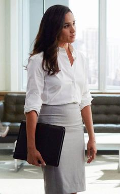 ESC: Meghan Markle, Suits Source by virginiaoettler corporate fashion Suits Meghan, Suits Rachel, Meghan Markle Suits, Estilo Meghan Markle, Meghan Markle Style, Meghan Markle Fashion, Suits Outfits, Mode Outfits, Chic Outfits
