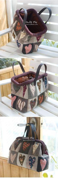 [브라운 하트 토트백] - Tr Tutorial and Ideas Japanese Patchwork, Japanese Bag, Patchwork Bags, Quilted Bag, Diy Bags Patterns, Purse Patterns, My Bags, Purses And Bags, Carpet Bag