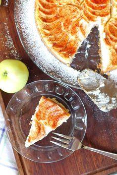 Omena-juustokakku - Suklaapossu Marijuana Recipes, Deli, Food Photo, Nom Nom, Food And Drink, Sweets, Snacks, Ethnic Recipes, Autumn