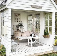 Tongue Twister: Shabby Chic She Shed. Tongue Twister: Shabby Chic She Shed. Jardin Style Shabby Chic, Shabby Chic Veranda, Casas Shabby Chic, Shabby Chic Mode, Shabby Chic Porch, Porche Shabby Chic, Shabby Chic Outdoor Decor, Shabby Chic Furniture, Country Furniture