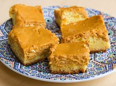 Paula Deen& Ooey Gooey Pumpkin Butter Cake - I& made this every year for almost 10 years and everyone LOVES it. It& a cross between pumpkin pie, cheesecake, and yellow cake. mmm Serve with fresh whip cream. Köstliche Desserts, Delicious Desserts, Dessert Recipes, Yummy Food, Dessert Bread, Fruit Recipes, Dessert Bars, Cheesecake Recipes, Sweet Recipes